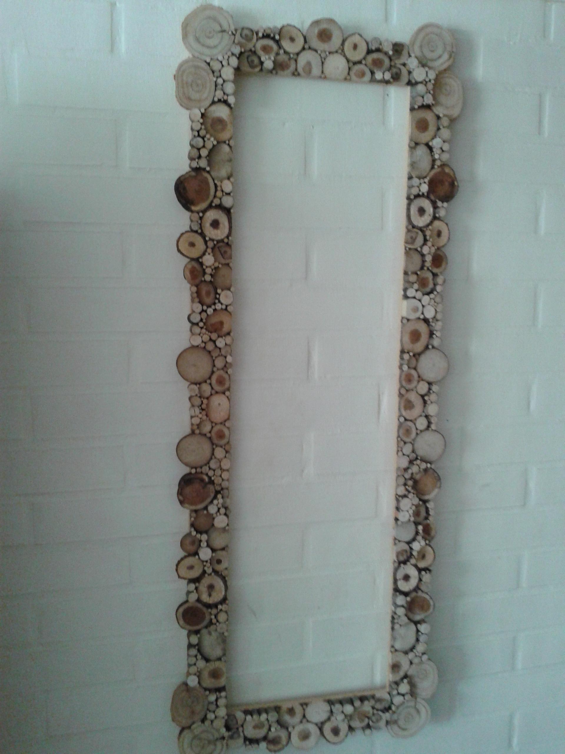 Marcos en madera r stica busca mi pyme for Disenos de marcos de madera para espejos